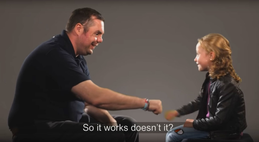 當5歲女孩和「變形退伍軍人」面對面聊天 最「純真反應」大人看了好慚愧