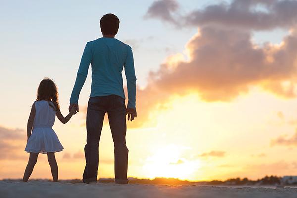 被「叔叔」疼愛卻無法為他盡孝!離世當天兒子空氣哭喊 她聽見熟悉聲音「我先回去囉」
