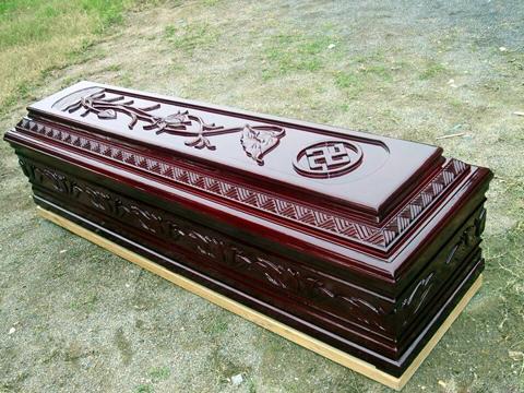 她夢見「弟弟躺在棺材裡」 醒來驚見媽媽眼神不對勁「居然夢中跟弟弟連線」