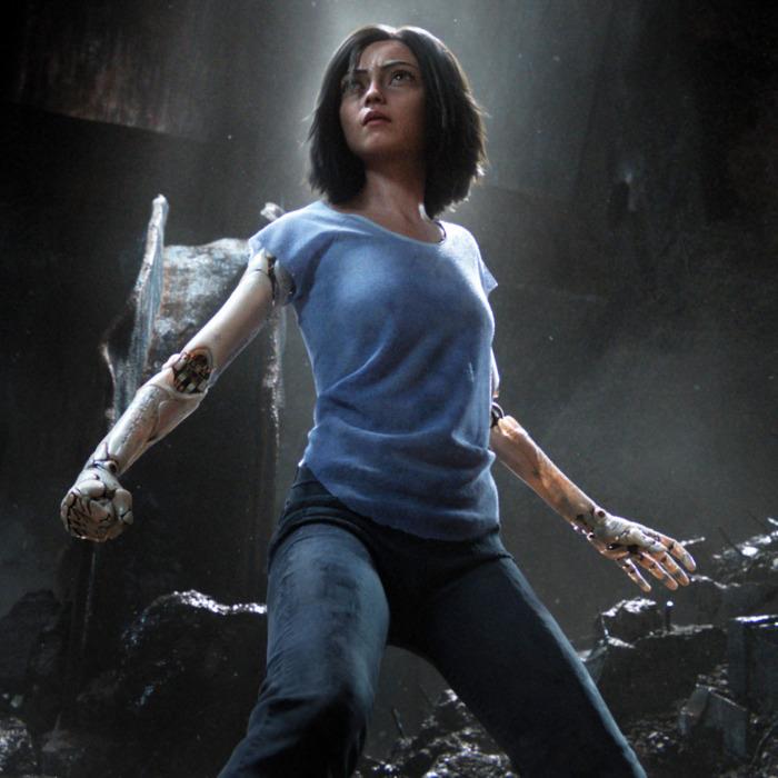 「真實版艾莉塔」驚現《艾莉塔:戰鬥天使》首映會 手真的跟艾莉塔一樣