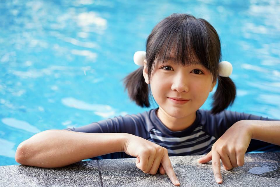 泰國網紅曬「泳裝照」超蘿莉 跨下驚見「一大包」她:我不是偽娘!