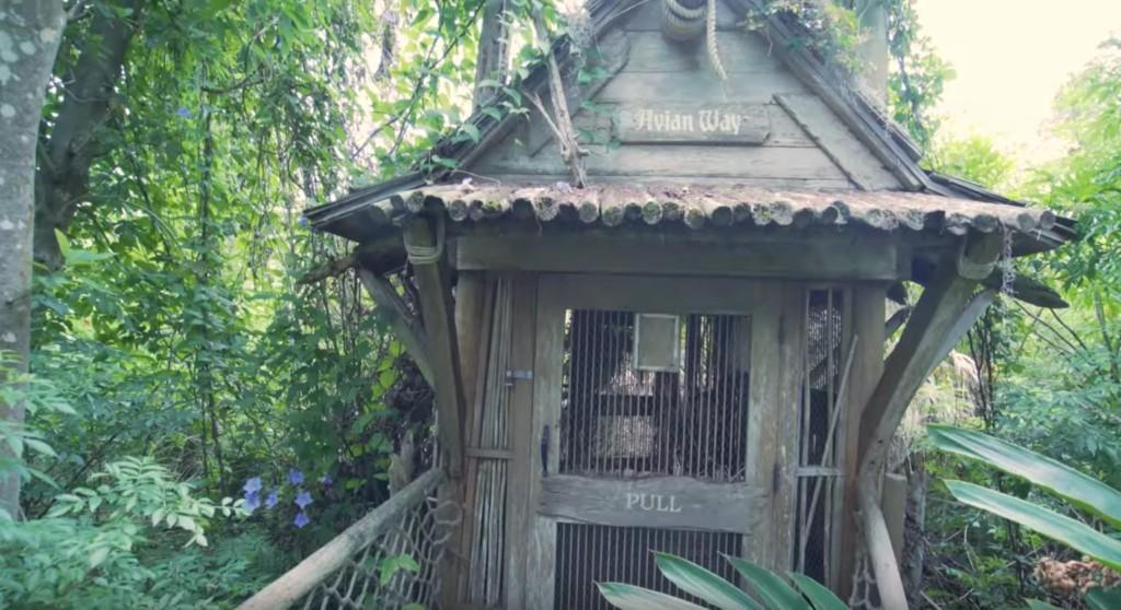 網紅闖入「員工也禁止靠近」的迪士尼樂園 一上島就驚見「被放棄的演員」嚇到腿軟...
