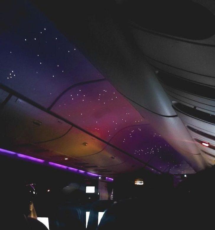 19個讓你「忍不住感謝發明家」的超酷生活設計 飛機的「夜間模式」讓旅客捨不得睡!