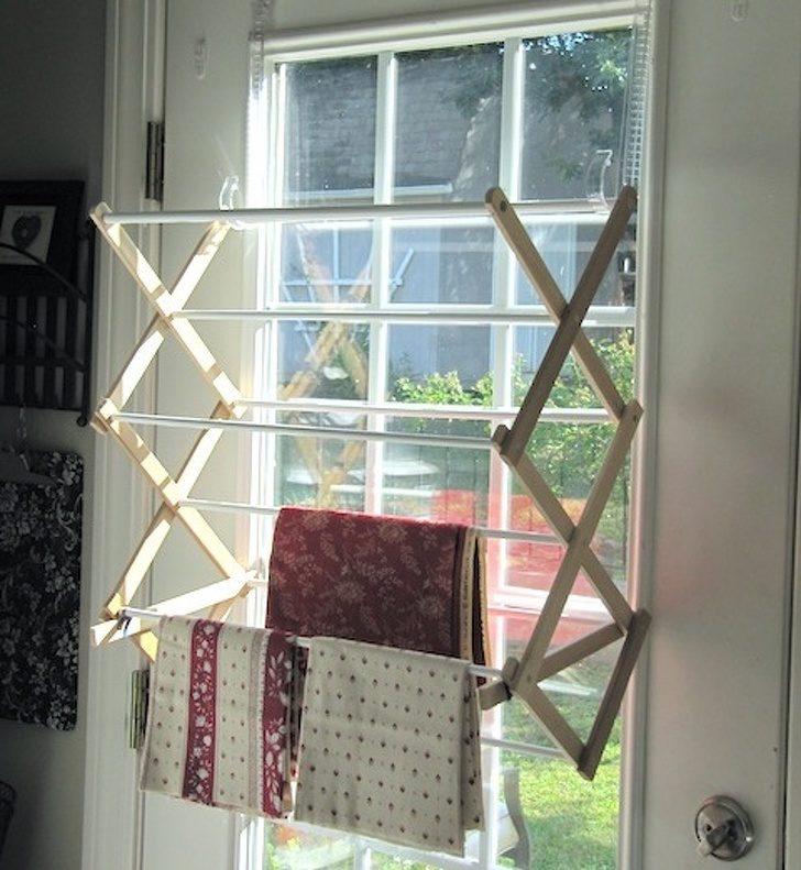 22個讓家裡「沒有任何角落被浪費」的超完美空間運用小物 把陽台「蓋在窗戶上」超猛!