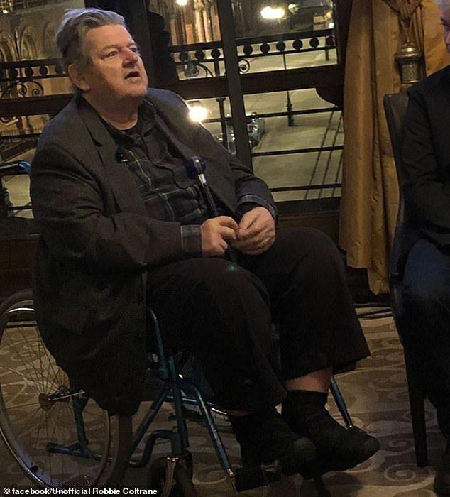 「溫柔的巨人」海格近況被瘋傳!「輪椅超憔悴模樣」把粉絲嚇壞:他怎麼了QQ