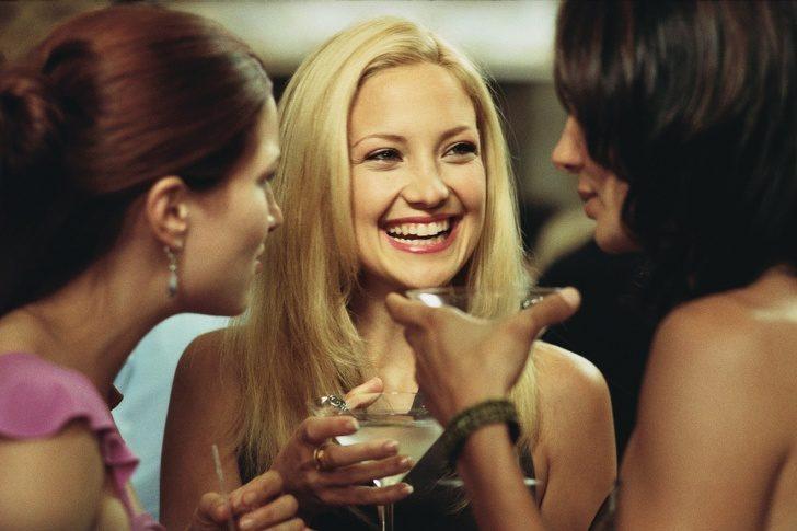9個「我很喜歡只是不好意思說」的女生小祕密 當別人偷看自己男友...還是會暗爽!