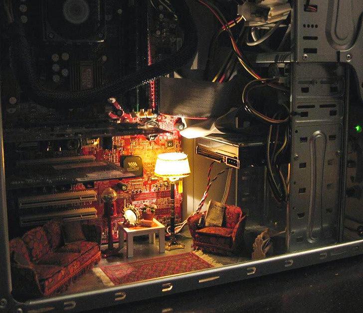 20個證明「想像力就是超能力」的創意無極限照 電腦主機裡竟然藏著一間「密室」!