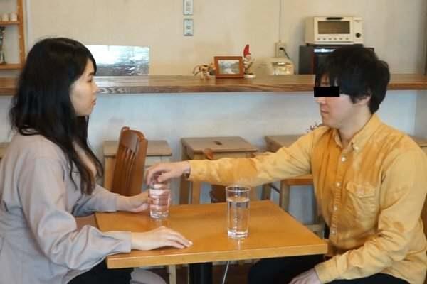 日男腦洞大開研發「防女友暴怒潑水桌」 網友狂推「超猛抵擋設計」:最帥氣的失敗男!