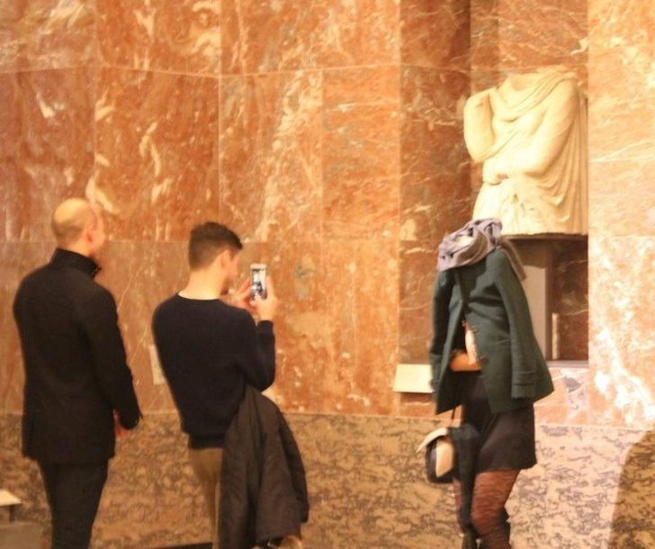 21個絕不能讓女友看到的「別人的完美男友」 為幫她拍一張最美照片...他直接懸空了!