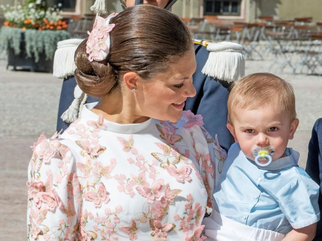 10張瑞典奧斯卡小王子「皇室級厭世臭臉」 粉姨被融化超猶豫:選他還是選喬治?