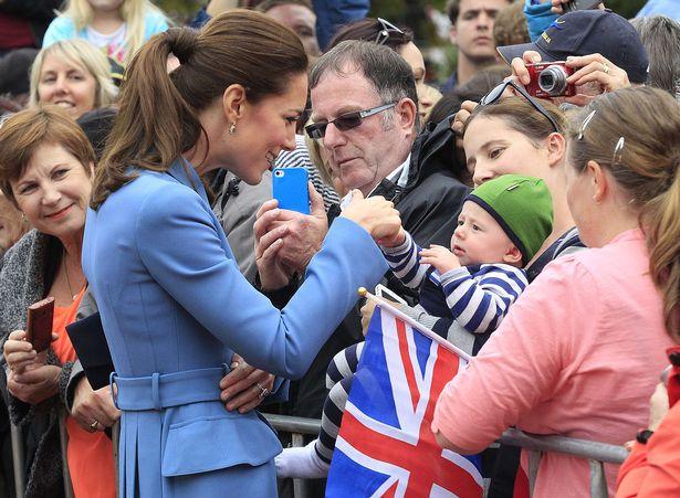 凱特忘不了平民習慣自爆「壞習慣」被女王取笑超久 民眾好感度卻直線上升:更愛她惹