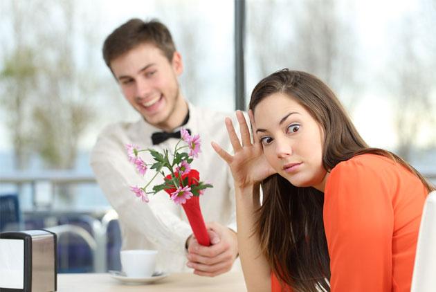 第一次約會就主動牽手!溫柔美眉「錢我來付」讓魯哥漏電 女網友揭黑暗套路:恭喜當爸