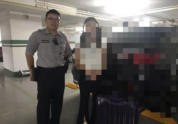 霸氣姐「領2200萬現金」還想自己走回家 警察「護送到府」問原因傻眼:有錢人的困擾!