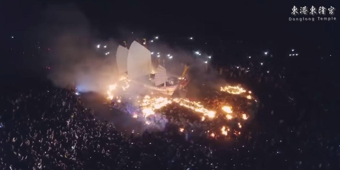 台灣正妹用四分鐘「把屏東外銷到日本」 外國人看「燒王船」超震撼:台灣好猛!