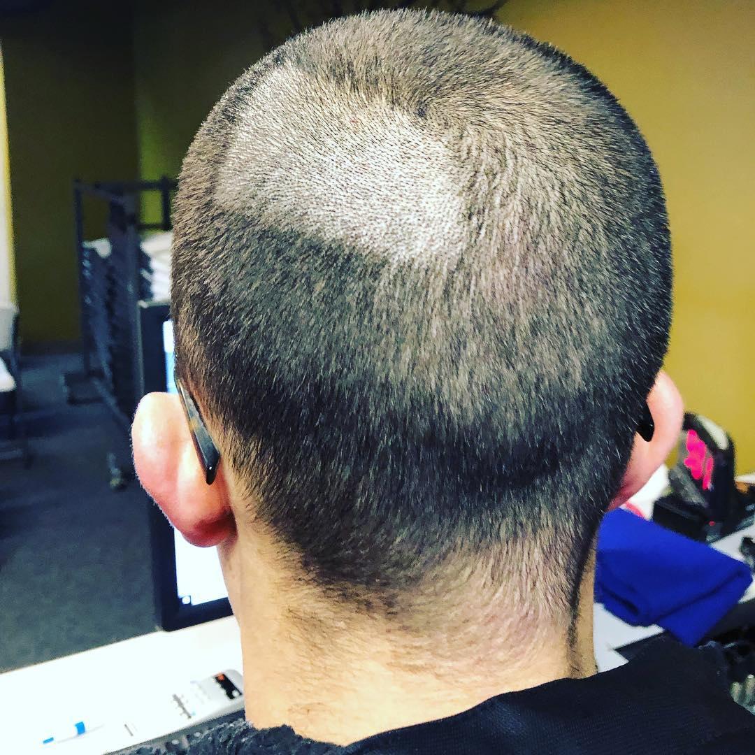 17個被老婆逼到「已經在後悔結婚」的超悲慘人夫 她問:「要幫你剪頭髮嗎?」就是警訊!