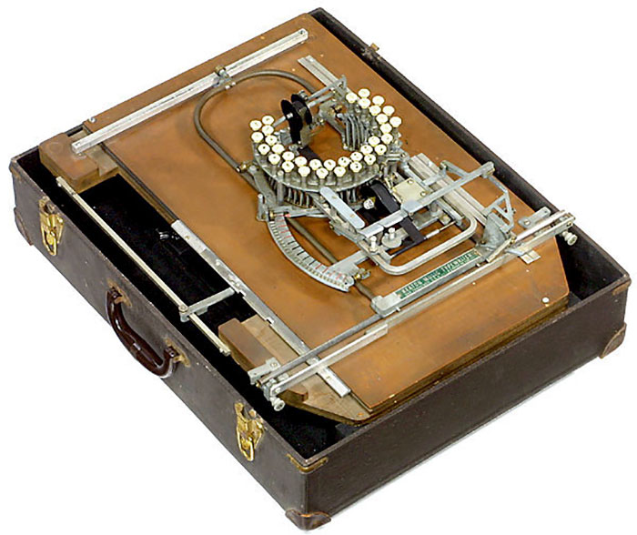 超罕見「樂譜打字機」用33個鍵打出動人樂曲 「身價翻47倍」圓形鍵盤設計是關鍵!