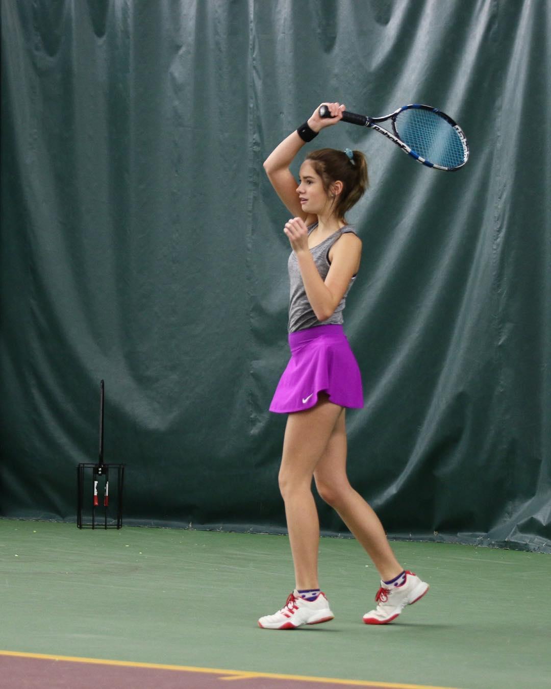網球王女!14歲甜美少女「撞臉妙麗」 打球曬「不科學長腿」網秒追蹤:這還是人類嗎?