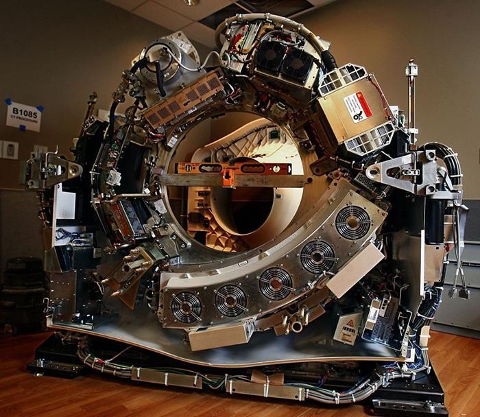 20個「平凡物品被剖開一半」的超驚喜照片 隕石内部就像「時空隧道」!