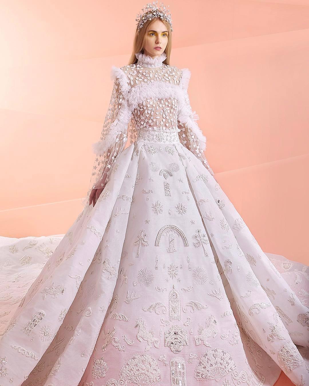 13件讓女人「甘願跳進愛情墳墓」的夢幻爆表婚紗 想當「迪士尼公主」這件真的能圓夢!