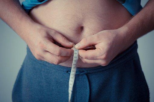 上班一直變胖不是因為吃太多 醫生公布「社畜會想哭」的原因:你工作太認真!