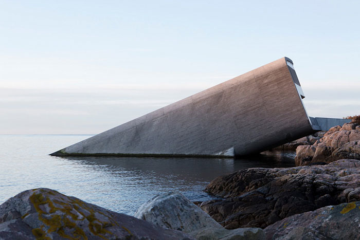 史上最大「水底餐廳」開幕!海洋生物包圍下「180度無界限用餐」 內部氛圍就像另一個時空