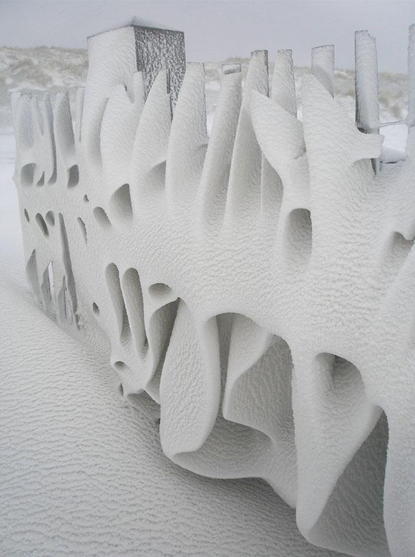 25個「不小心創造出來」的超完美藝術品 透過「玻璃窗」全世界都是一幅畫!