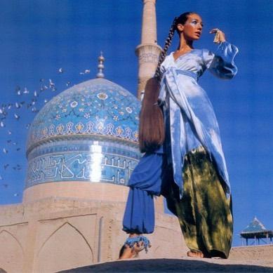 大家都不解為何男性想她們包頭巾 直到看了「伊朗女性過去生活照」:秒懂了