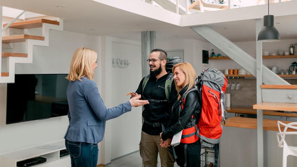 Airbnb房東鑽漏洞「最後一刻取消房客預定」 眾多房客看不破被慘騙錢
