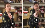 中國大媽逛夜市「擅自闖櫃台」被勸離後暴怒 囂張吐痰狂罵:你們還不是靠大陸養!