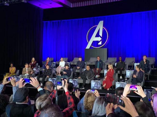 《復仇者聯盟》記者會驚見「一整排空椅子」 原因揭曉讓網友淚崩:真的回不來了...