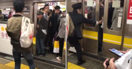 日本電車因「插手阿伯」鬧事大誤點 「7次伸手阻止車門關上」惹眾怒:把他轟下車!