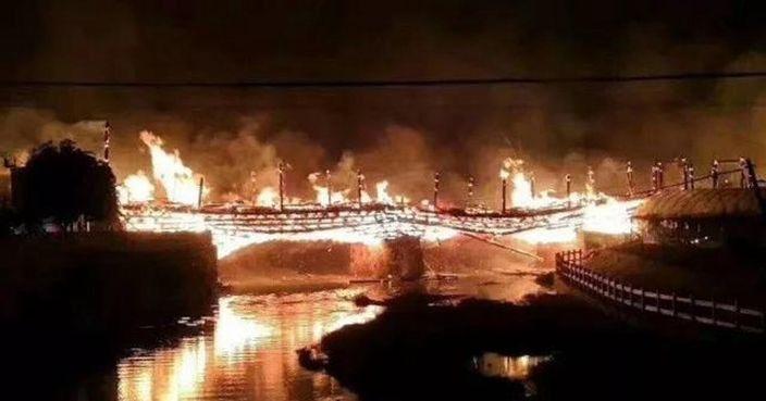 還沒去過就毀了...史上被大火吞噬「6棟最珍貴古建築」 日本原來也曾遭殃!