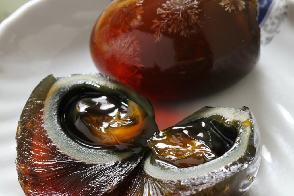 皮蛋禁入歐盟!華人出售遭通報...義大利警查扣800顆:皮蛋根本不適合人類食用