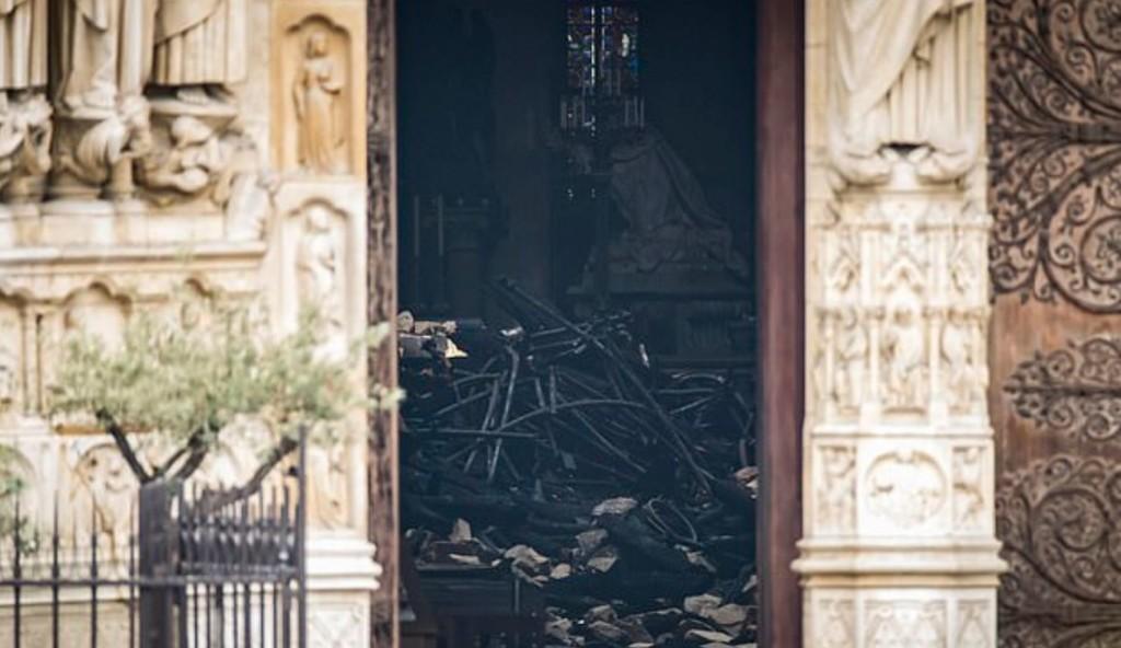 專家直言聖母院「不能恢復原貌」!點出「最大修復障礙」網全崩潰:有錢也沒用QQ