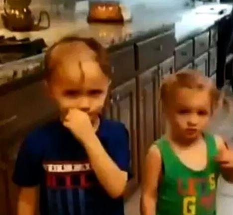 調皮男孩在家翻到「剃頭刀」太興奮 分享給妹妹「一起嚕下去」網爆笑:只剩雙馬尾!