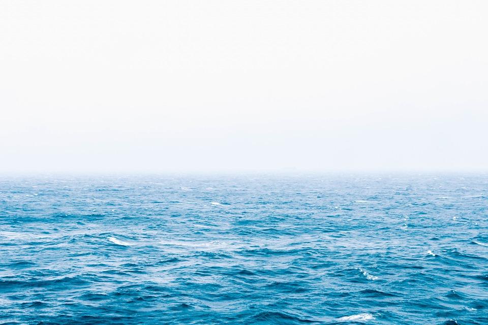 為什麼不可以喝海水?他嘗試「把海水煮乾」剩下的畫面把網嚇壞:太噁心了