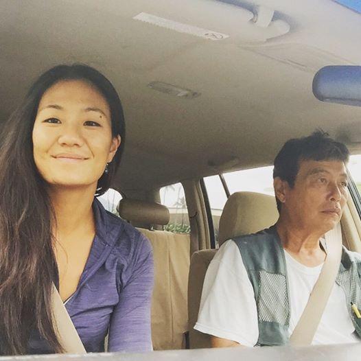 女學生每天在路上「拍流浪漢」練習攝影 某天她認出「熟悉的身影」淚崩:是我爸爸!