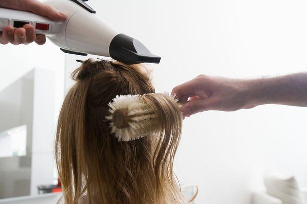 專家警告「每天都洗頭」會害你頭髮更油 懶人最愛的「洗頭週期」其實最乾淨!