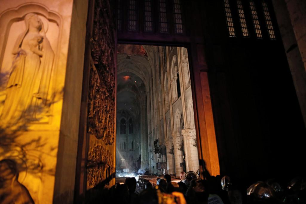 巴黎聖母院「850年歷史→灰燼」法國人心碎 川普「出餿主意救火」被專家狠打臉!
