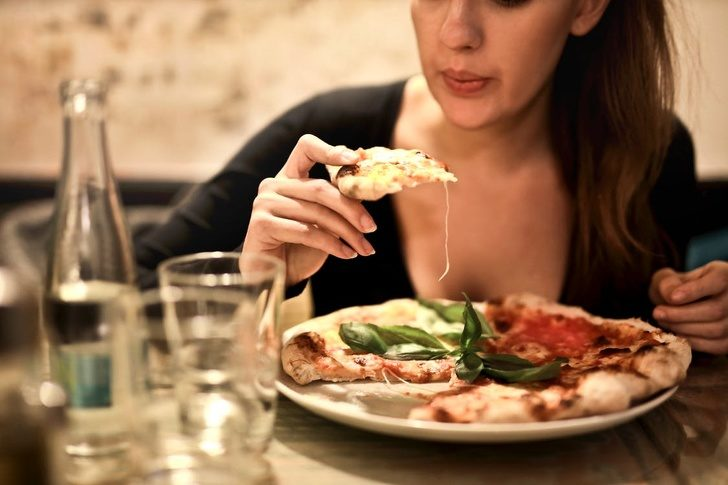 12個「其實超級沒禮貌」的日常舉動!食物太燙千萬不能吹涼