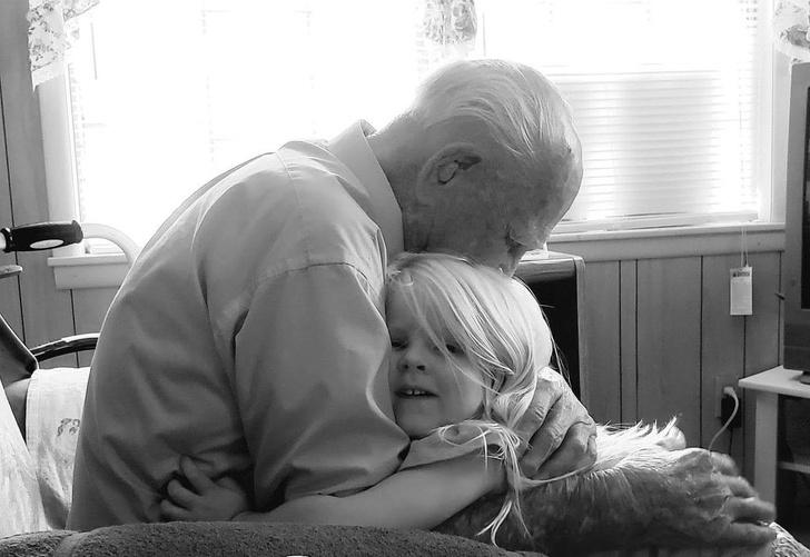 17張暖照道出「你心目中最美好的家庭」 老爸打扮成超帥雷神...兒子的反應是最好的禮物~