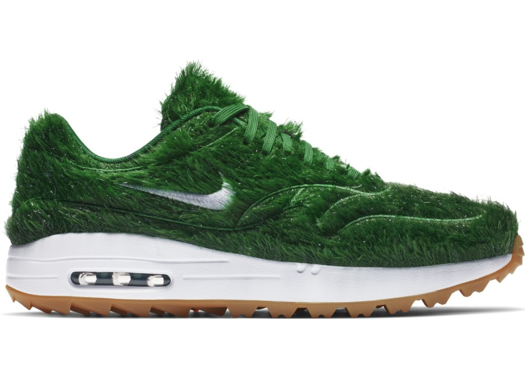 Nike推出「自然風Max」的運動鞋 雙腳變「移動森林」網友笑翻:時尚真難懂!