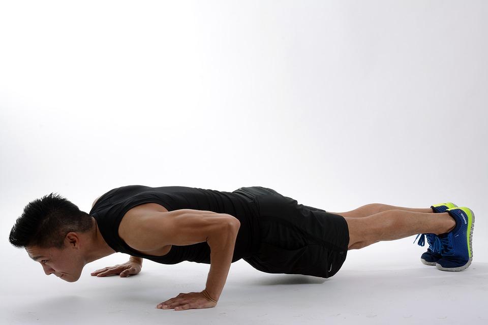 研究發現「沒辦法做10下伏地挺身」的男人要小心...心臟可能已出問題!