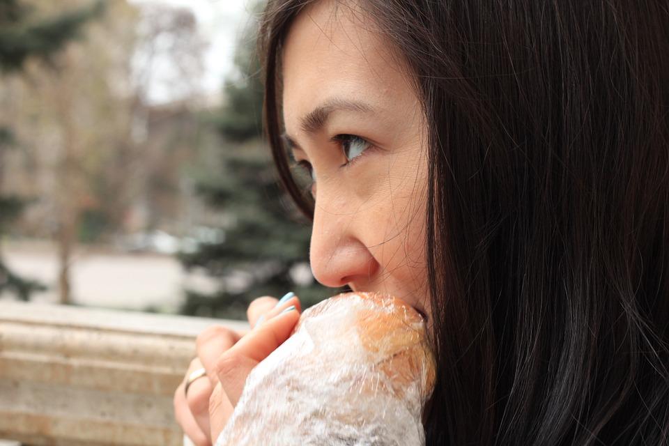 專家透露「不該讓女友餓肚子」的最大原因 網狂推:她生氣是應該的!