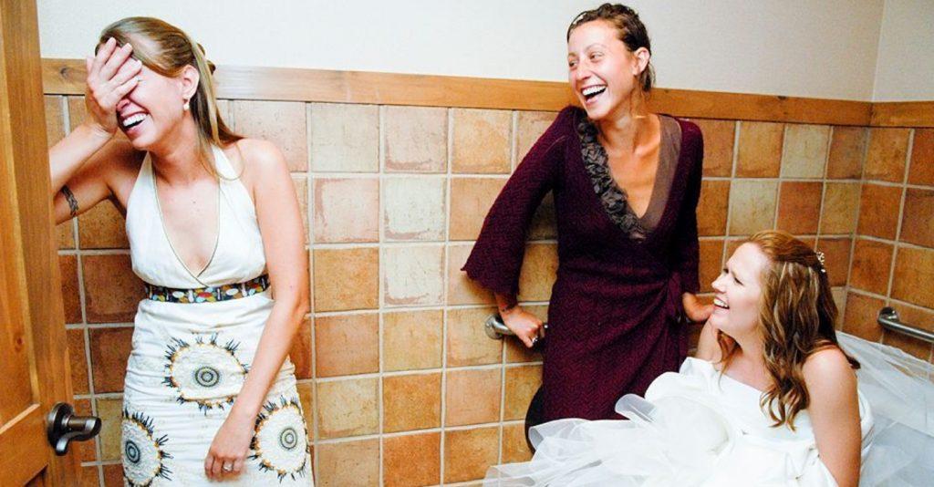 網疑惑「新娘都怎麽上厠所?」 她拿出「IKEA購物袋」一招破解被讚爆:好方便