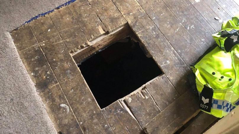 警察狂敲門準備逮人 破門驚見「超完美DIY隧道」無奈嘆氣:這場輸了,複賽再來!