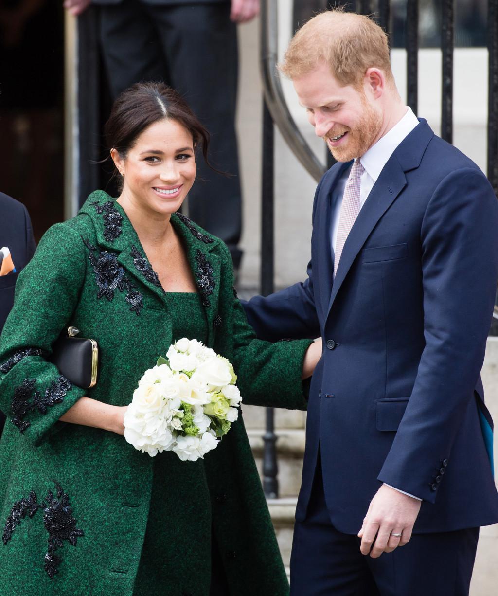 梅根再度挑戰皇室極限!寶寶出生就「一輩子不能吃肉」 知情人爆:這次真的惹到女王了
