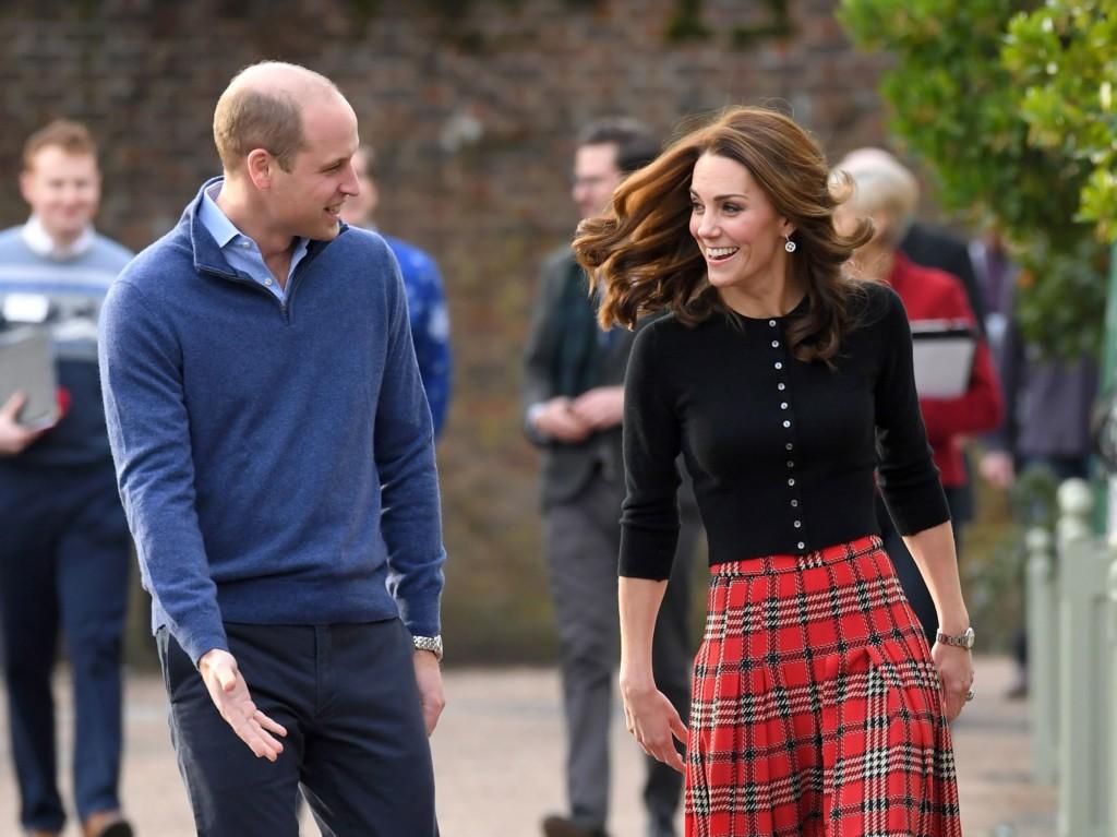歷史重演?!威廉被爆趁凱特懷孕「搭上正妹閨蜜」 網罵爆:跟你爸一模一樣