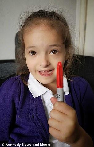 6歲機智妹用馬克筆「畫水痘」想逃學 10分鐘後馬上後悔:媽媽救我!