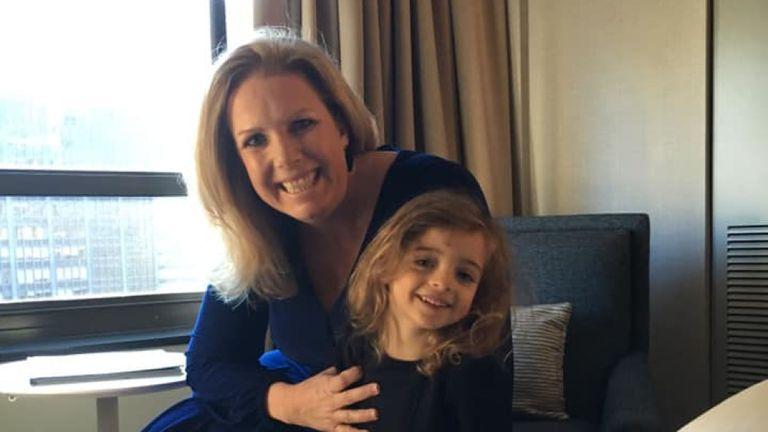 小女嬰在醫院乾等5個月「沒人認領」 最暖護理師霸氣宣示:我來當她媽!